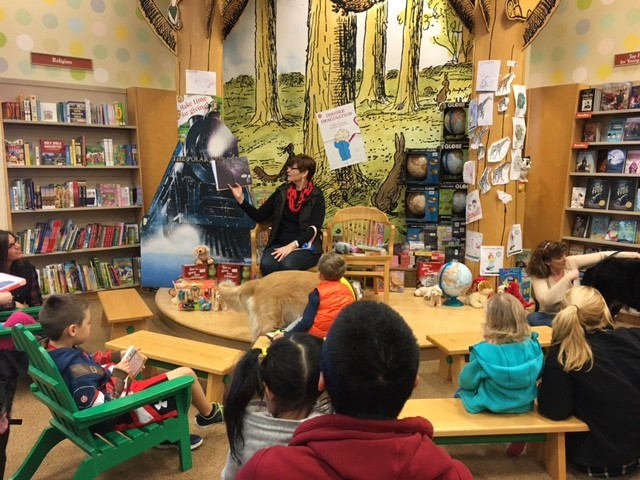 pet therapy at Barnes & Noble
