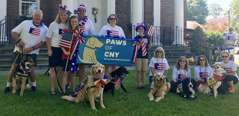 Pet_Therapy_Manlius_Parade_Group